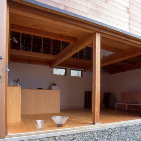 出入口: 家山真建築研究室 Makoto Ieyama Architect Officeが手掛けた家です。