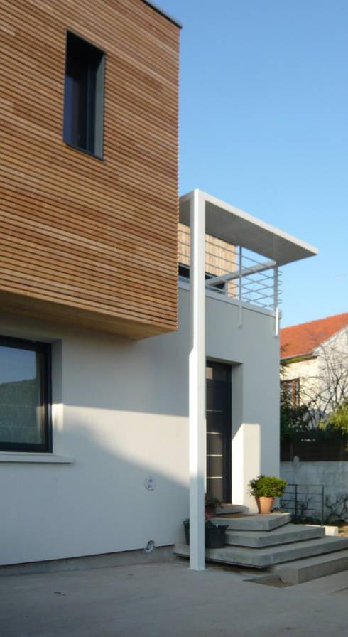 Maison de ville sur l vation et extension en bois pr s - Extension maison de ville ...