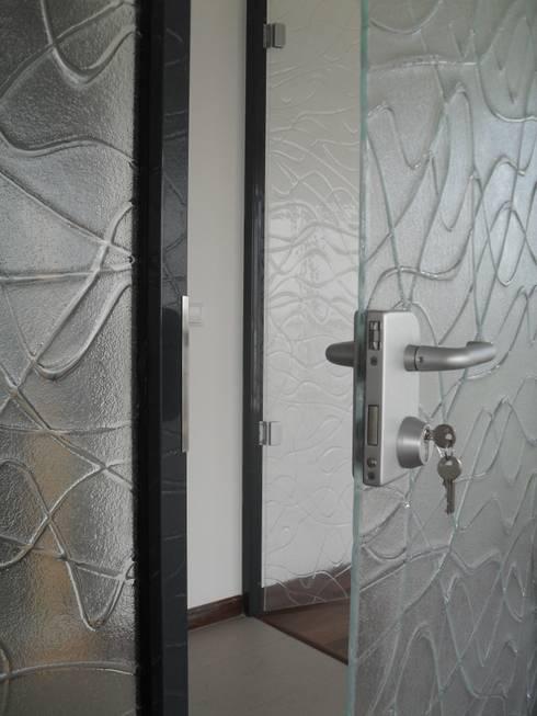 تصميم مساحات داخلية تنفيذ YBM Tasarım Dekoratif Cam Paneller