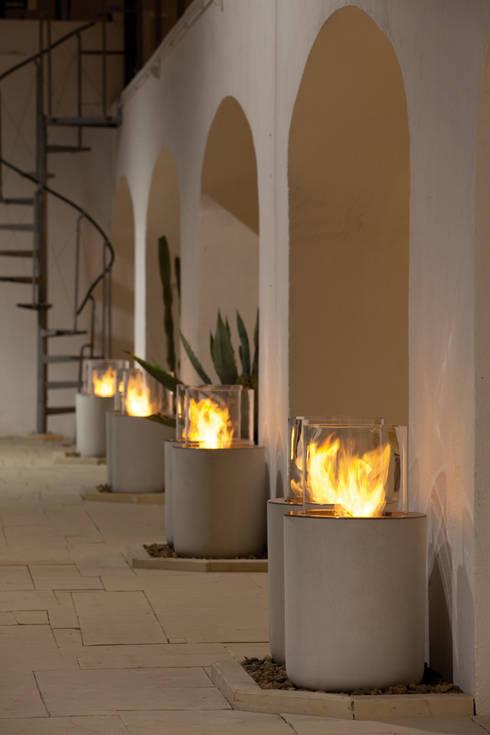 Balcones y terrazas de estilo moderno por Planika Fires