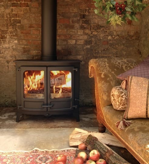 Charnwood Island IIIb Multifuel Boiler Stove: country Living room by Direct Stoves