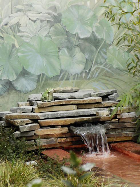 Jardines de estilo  por AGRISOPHIA NATURAL GARDEN DESIGN