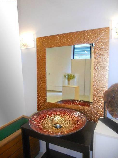Camkanatlar – Özel Tasarım Ayna ve Lavabo: modern tarz Banyo
