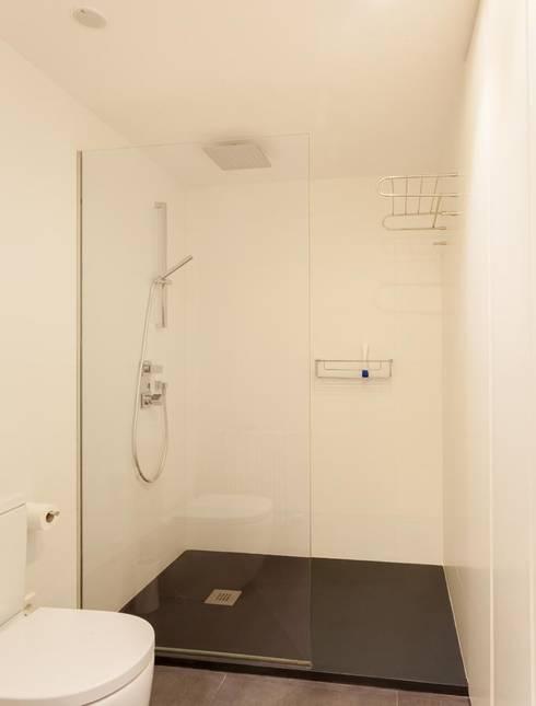 Baño: Baños de estilo  de ESTER SANCHEZ LASTRA