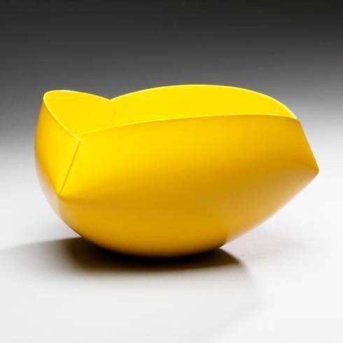 The Earthenware Ferrari:  Kunst  door Ann Van Hoey