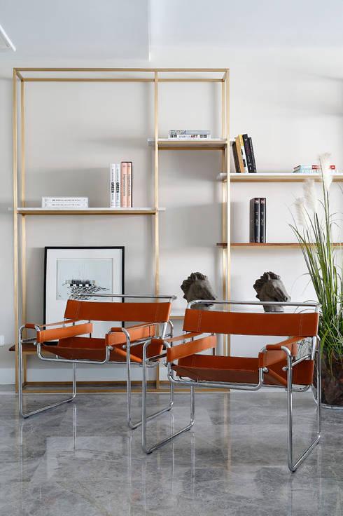 Projekty,  Salon zaprojektowane przez Escapefromsofa
