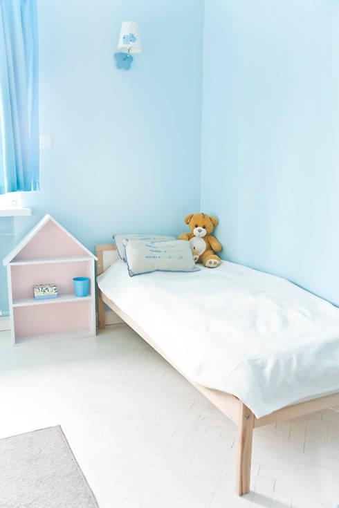 Pokój w błękitach: styl , w kategorii Pokój dziecięcy zaprojektowany przez Miśkiewicz Design For Kids