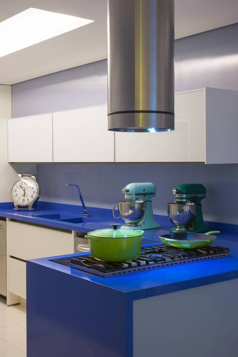 Projekty,  Kuchnia zaprojektowane przez Brunete Fraccaroli Arquitetura e Interiores