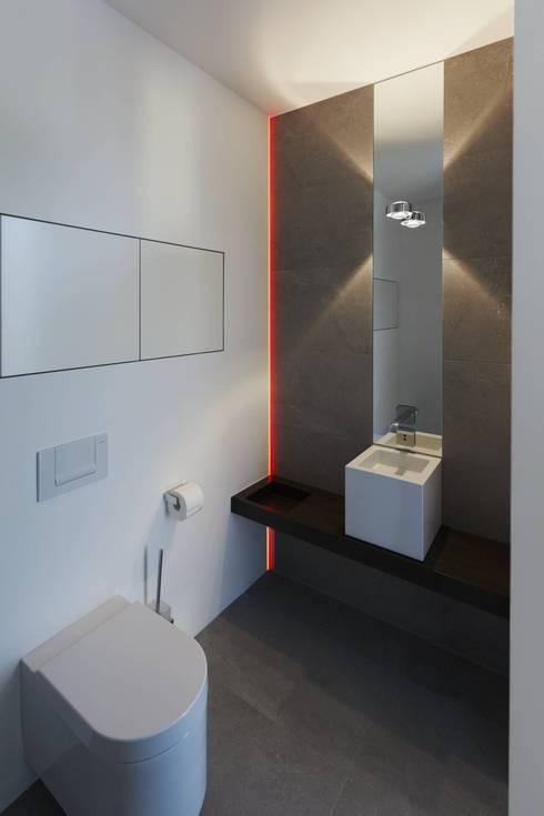 Haus_W:  Badezimmer von Fachwerk4 | Architekten BDA