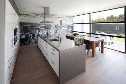 woonhuis S Neerharen: moderne Keuken door 3d Visie architecten