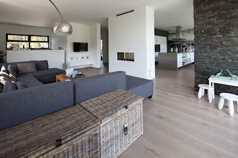 woonhuis S Neerharen: moderne Woonkamer door 3d Visie architecten