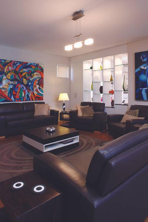 Karrinyup 1 Living Room: modern Living room by Natasha Fowler Design Solutions