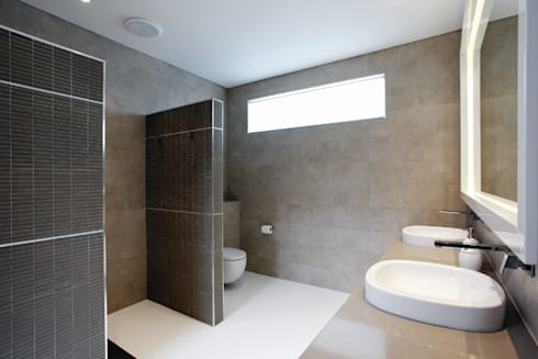 Karrinyup 7 Bathroom (Ensuite): modern Bathroom by Natasha Fowler Design Solutions