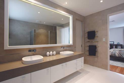 Karrinyup 8 Bathroom (Ensuite): modern Bathroom by Natasha Fowler Design Solutions