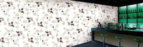 Muurbloem Design Studio_Collection Flowers + Leaves_Dartsgold:  Muren & vloeren door Muurbloem Design Studio