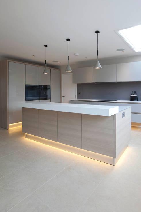 Cozinhas modernas por cu_cucine