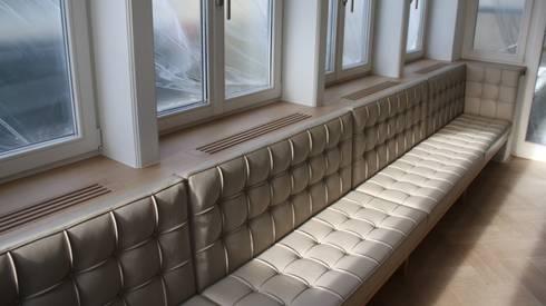 Maatwerk bank: moderne Eetkamer door Van Bruchem Staircases & Interiors