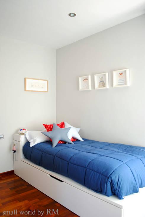 Cojines Star: Dormitorios infantiles de estilo mediterráneo de Mundo Raquel