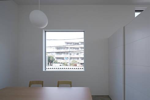 内観-ダイニング: アソトシヒロデザインオフィス/Toshihiro ASO Design Officeが手掛けたダイニングです。