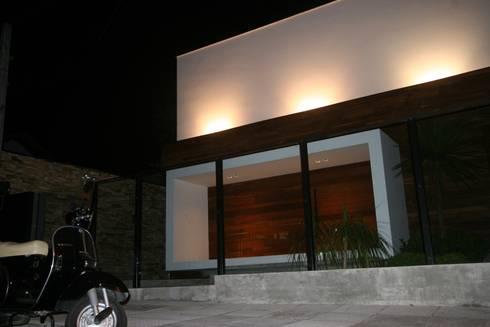 ZAAV-Casa-Interiores-1342: Jardins minimalistas por ZAAV Arquitetura