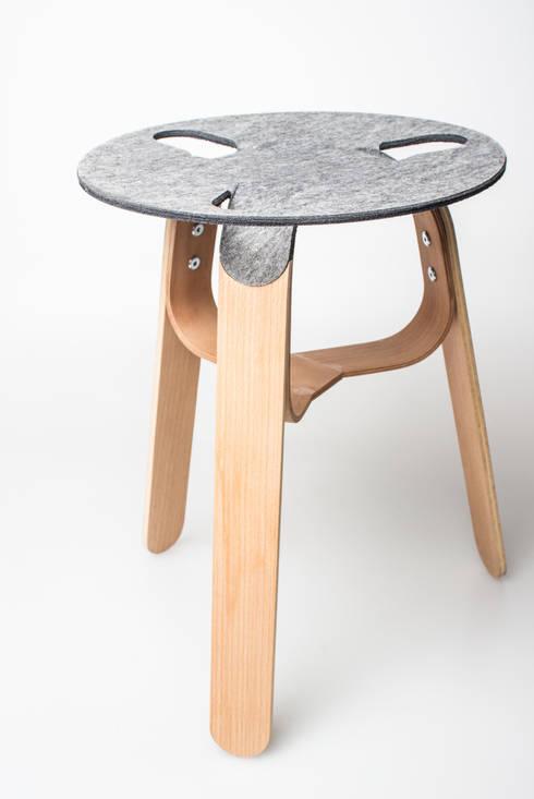Formfleece: moderne Wohnzimmer von SchoeneHeileWelt Designstudio