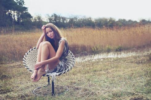 Femme chair: tropische Woonkamer door Studio Rik ten Velden