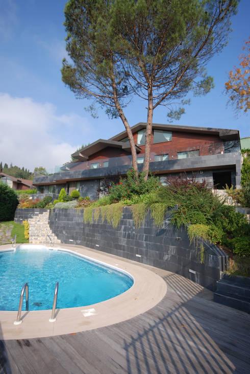 Paker Mimarlık – HAS-KISAKÜREK EVİ: modern tarz Evler