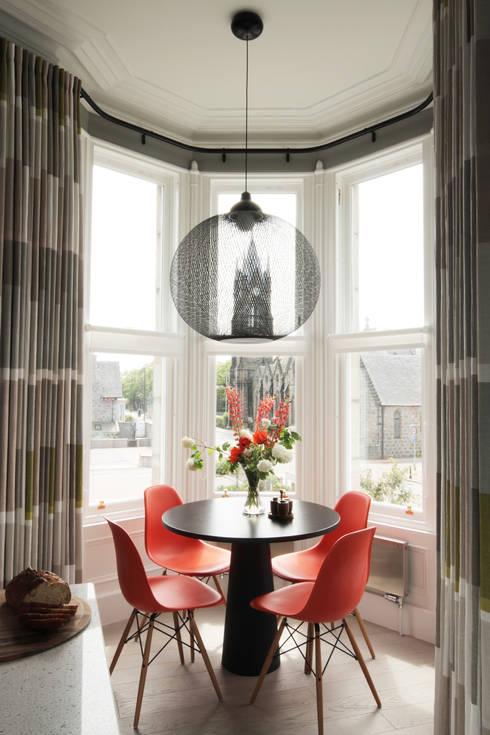 Comedores de estilo moderno por ABN7 Architects