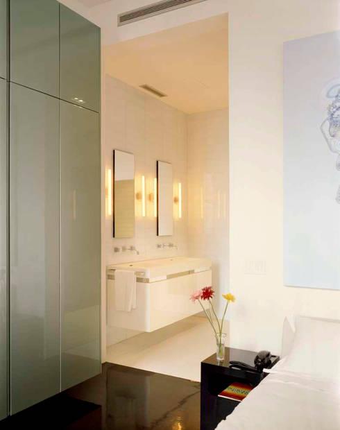 minimalistische Badkamer door studioMDA