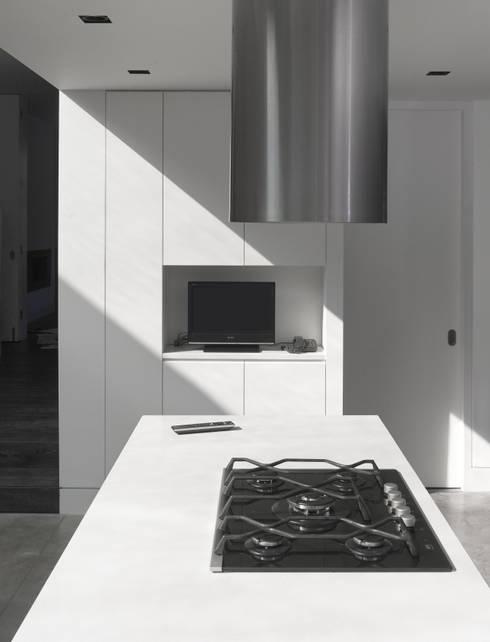 modern Kitchen by Platform 5 Architects LLP