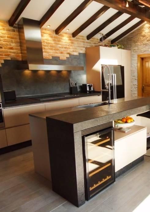 Una cocina de estilo r stico industrial de soinco homify - Cocinas soinco ...