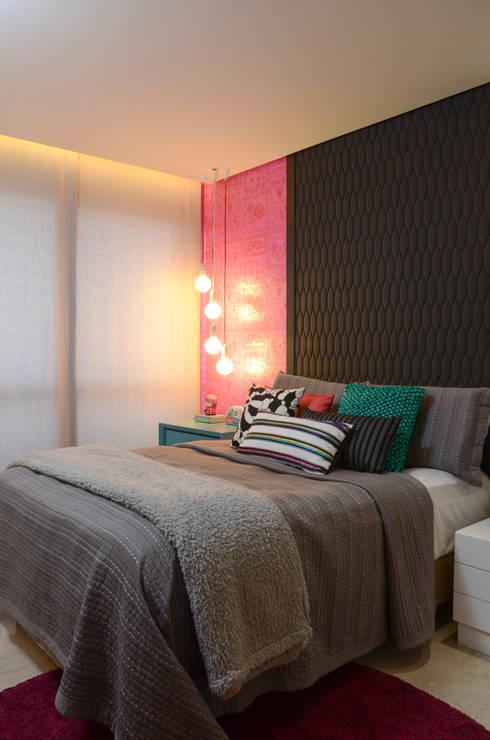 Apartamento St Paul de vence: Quartos modernos por Carlos Otávio Arquitetura e Interiores