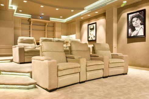 Home theater:   door Martin van Essen Keukens en Interieurs