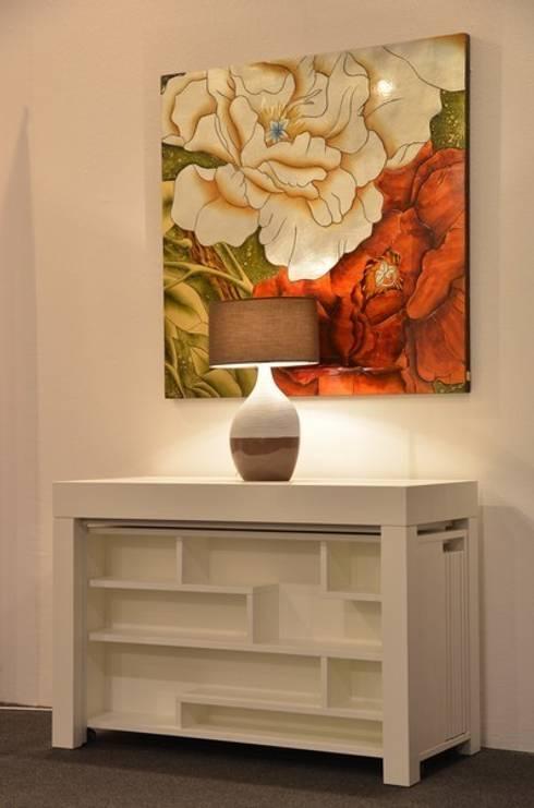 Tavolo consolle Maya Standard 110x50\345 con mobile prolunghe Zen: Sala da pranzo in stile  di Arredo Creativo