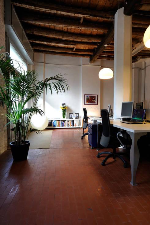 Phòng học/Văn phòng by ec&co. | architetti | Milano