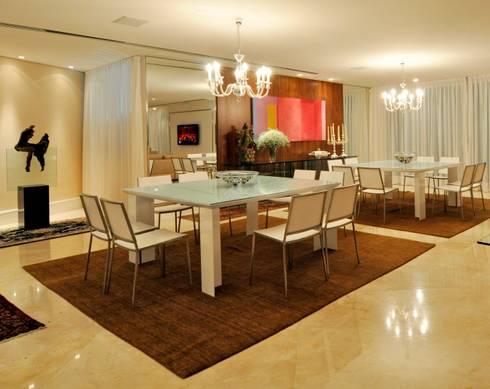 Apartamento 2020: Salas de jantar modernas por Carlos Otávio Arquitetura e Interiores