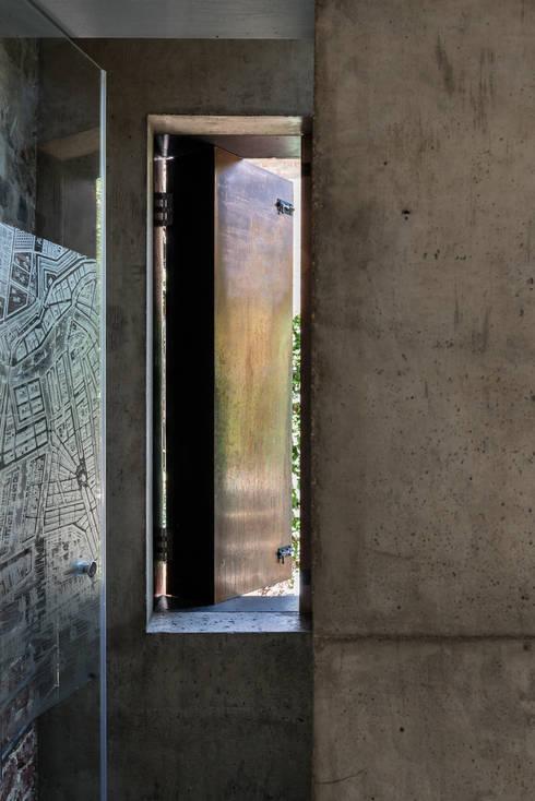 浴室 by MW Architects