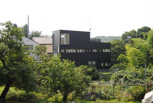 北東から見た外観: 株式会社小島真知建築設計事務所 / Masatomo Kojima Architectsが手掛けた家です。