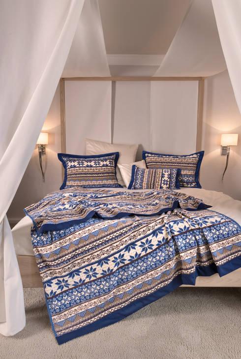 FEILER – winterliche Behaglichkeit mit BALTIC BLUE:  Schlafzimmer von FEILER