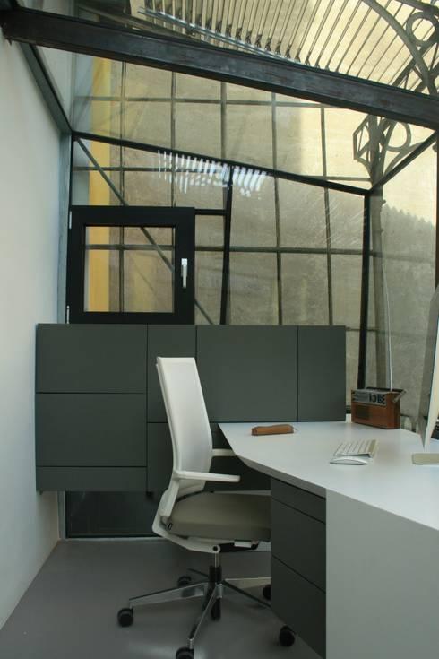 eclectische Studeerkamer/kantoor door 3rdskin architecture gmbh