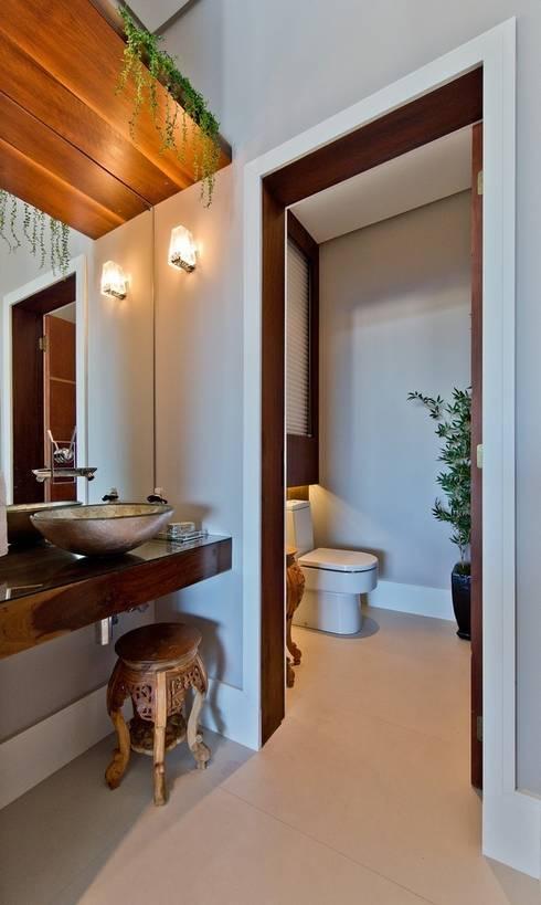 Lavabo: Banheiros modernos por Espaço do Traço arquitetura