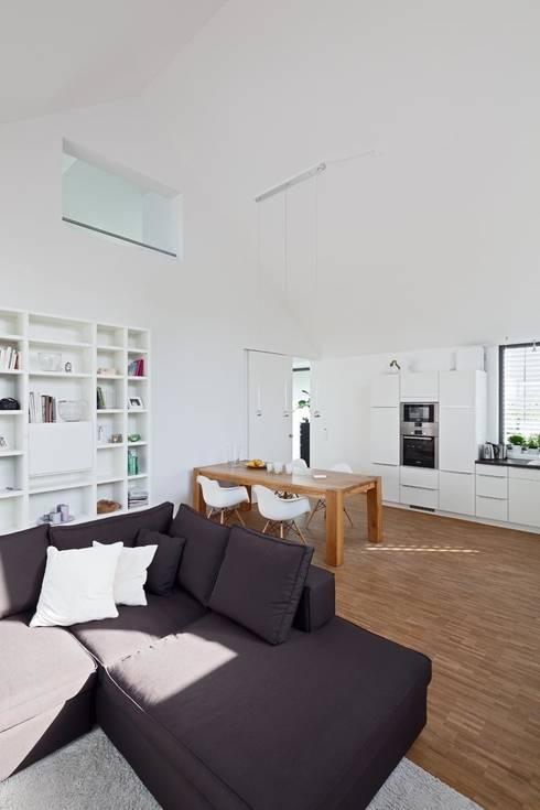 Claus + Pretzsch Architekten BDA의  다이닝 룸