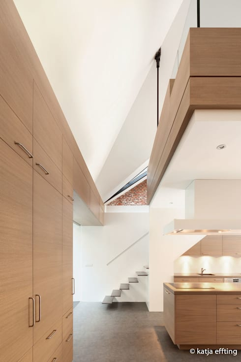 ITC Annex - kitchen house:  Keuken door Mirck Architecture