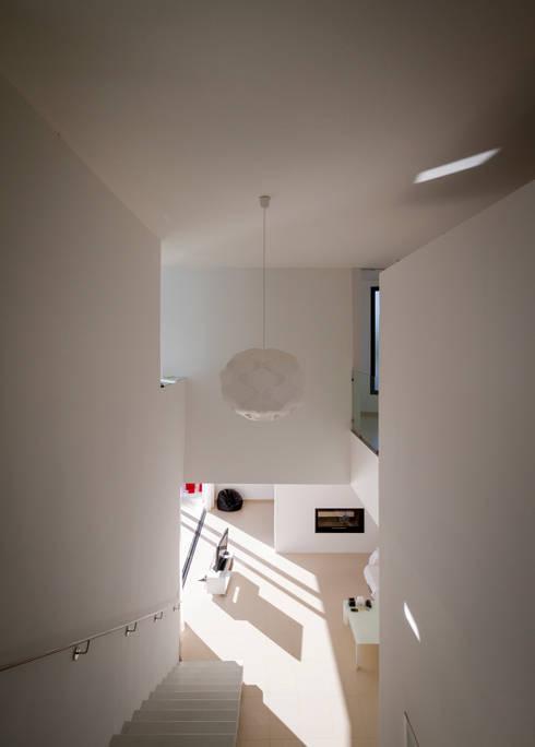 Vivienda Avilés-Ramos: Casas de estilo  de Ceres A+D
