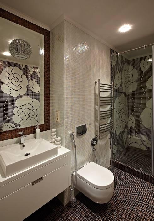 загородный дом 450 кв м: Ванные комнаты в . Автор – mill-studio.ru