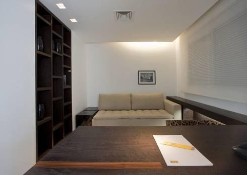 Decorado : Escritórios  por Jaqueline Frauches Arquitetura e Interiores