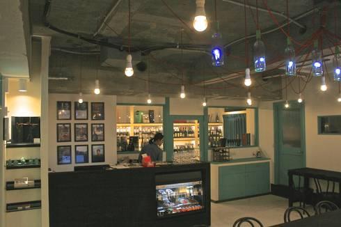 多目的ホール-4: Shigeo Nakamura Design Officeが手掛けたオフィススペース&店です。