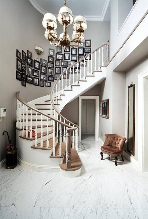 LANTANA PARKE – Ahşap Merdiven:  tarz Koridor, Hol & Merdivenler