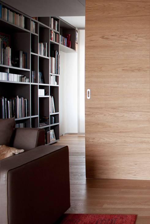 soggiorno: Studio in stile in stile Moderno di davide petronici | architettura
