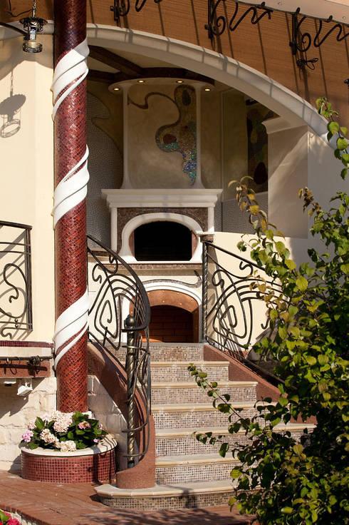 Дом в стиле модерн: Дома в . Автор – Архитектурное бюро и дизайн студия 'Линия 8'